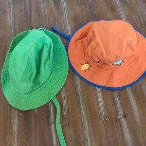 2 baby sun hats